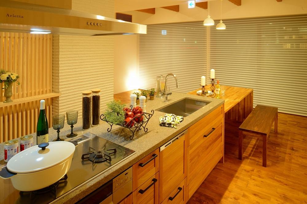 キッチン_夜のイメージ