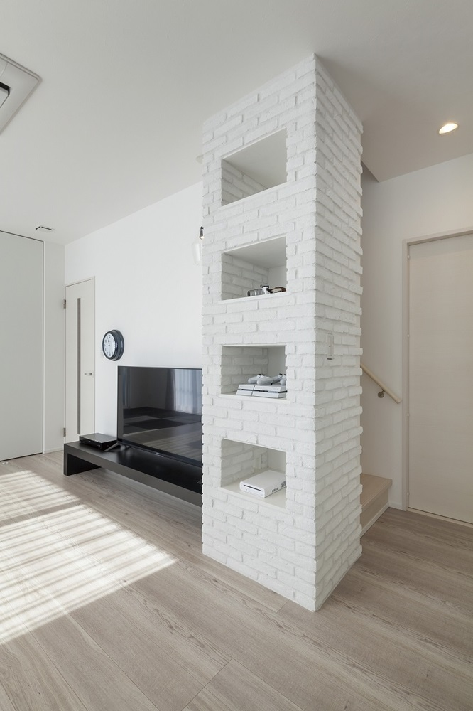 宇都宮市の建築実例_白いタイル