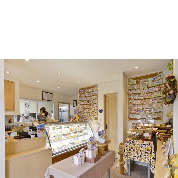 家族もお客様も幸せにする かわいらしい洋菓子店の家